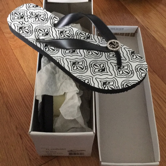 BCBG Shoes - BCBG Chrissy flip flop
